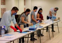 Fabrican 1, 200 caretas en el CUCSUR para donar a hospitales