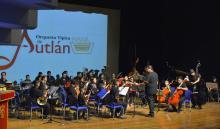 Nota: Orquesta típica de Autlán